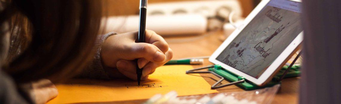 blur-close-up-colored-pens-213015